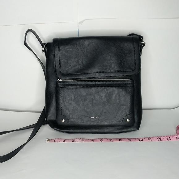 2ebf167e710 Relic   Evie Flap Crossbody Bag in Black